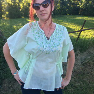 Gorgeous Vtg 1970s Embroidered Tunic Top Airy